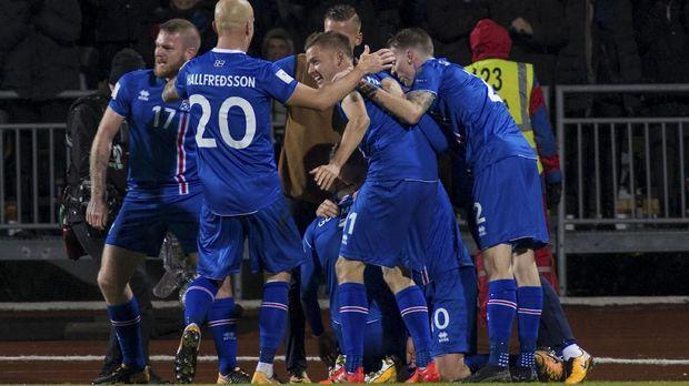 Timnas Islandia kembali menarik perhatian setelah memastikan tampil di Piala Dunia 2018.