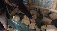 Batu lainnya yang ditemukan warga.