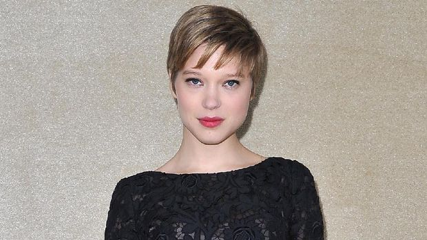 Penampilan Lea Seydoux di Paris Fashion Week 2012