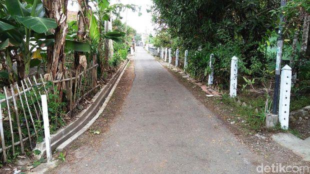 Jalan di Kampung Afrikan Purworejo