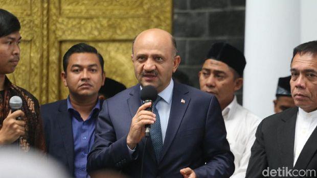 Wakil Perdana Menteri Turki Fikri Isik