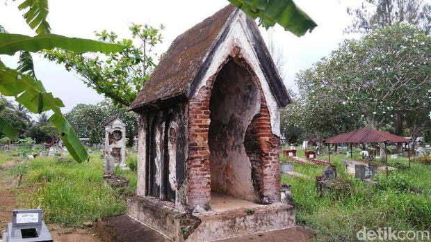 Salah satu makam orang Belanda di Purworejo