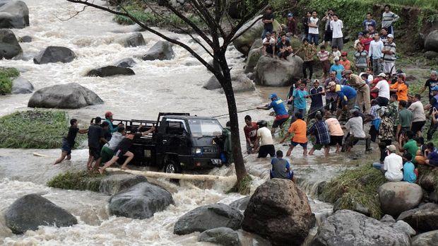 Ilustrasi banjir. Warga diminta waspada dengan cuaca ekstrem dalam tiga hari ke depan.