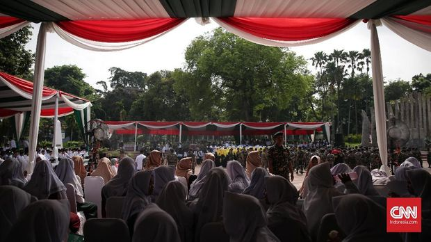 Nahdliyin Apel Akbar Hari Santri di Tugu Proklamasi