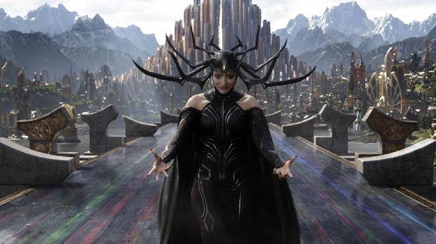 Hela, tokoh jahat di Thor: Ragnarok.