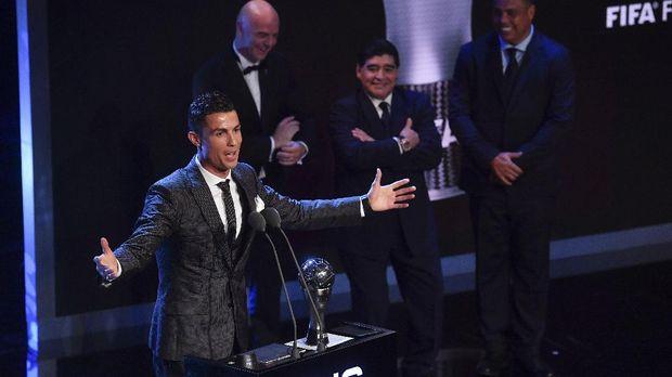 Cristiano Ronaldo berambisi meraih tujuh gelar Ballon d'Or di sepanjang kariernya.