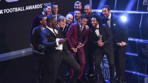 Neymar diklaim bisa dengan mudah meraih trofi Ballon d'Or jika gabung Madrid.