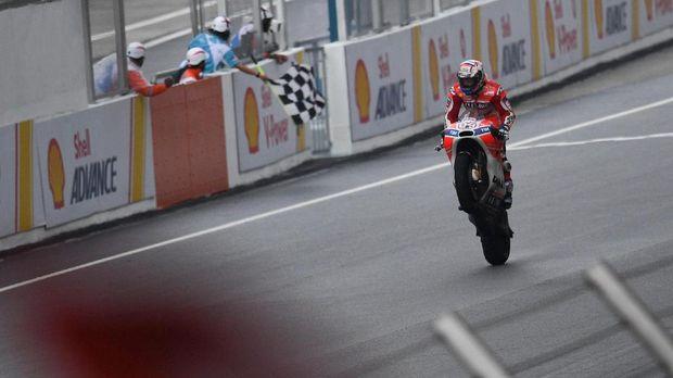 Andrea Dovizioso menjaga nama pebalap Italia dalam perebutan gelar juara dunia MotoGP.