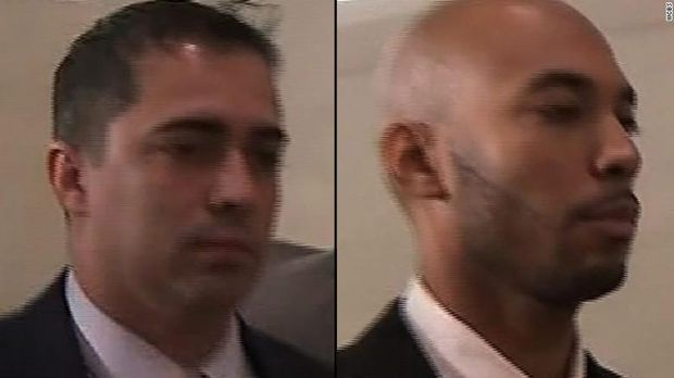 Eddie Martins (kiri) dan Richard Hall (kanan) mengaku tak bersalah atas dakwaan memperkosa gadis 18 tahun