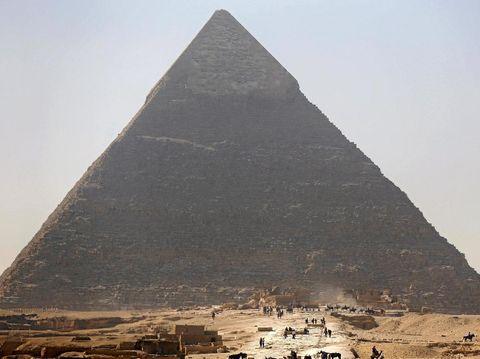 Piramid Agung Giza tampak luar