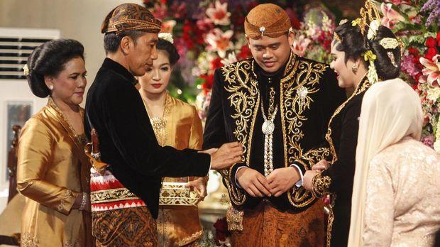 Pernikahan Kahiyang-Bobby Nasution dilangsungkan di Gedung Saba Buana, Rabu (8/11).
