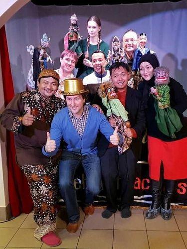 Pertunjukan ini sukses menarik perhatian penonton Rusia