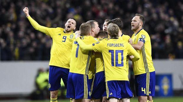 Timnas Swedia memastikan tiket ke Piala Dunia 2018 setelah menyingkirkan Timnas Italia. (