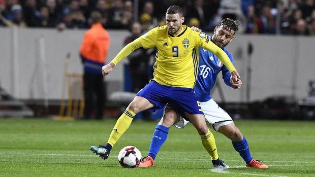 Daniele De Rossi sempat dimainkan pada leg pertama play-off melawan Swedia. (