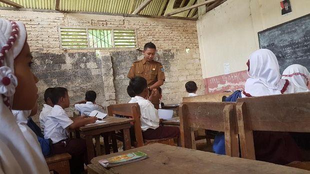 Miris! Ada SD Negeri di Banten yang Bubar Bila Hujan Datang
