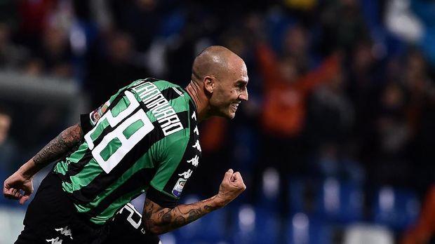 Paolo Cannavaro menumpahkan kekesalannya kepada FIGC atas kegagalan Timnas Italia ke Piala Dunia 2018. (