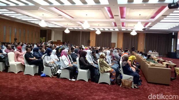 Para peserta Pelayaran Lingkar Nusantara dan Bhakti Bela Negara Sail Sabang 2017 di Kementerian Pertahanan