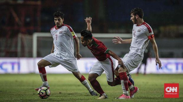 Andik Vermansah disebut pelatih Suriah U-23, Hussein Afash, sebagai pemain yang rajin bergerak. (
