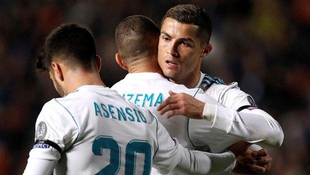 Cristiano Ronaldo berhasil mencetak dua gol ke gawang APOEL Nicosia.
