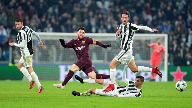 Lionel Messi baru turun bermain di babak kedua.