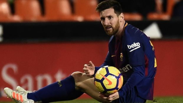 Lionel Messi merasa kecewa karena golnya pada menit ke-30 tidak dianggap oleh wasit.