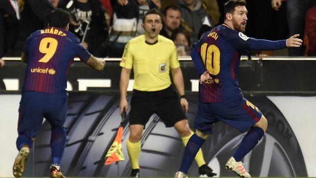 Wasit tidak mengesahkan gol Lionel Messi ke gawang Valencia. (
