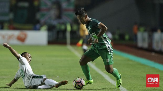 Partai puncak Liga 2 2017 antara PSMS vs Persebaya berlangsung sengit sejak awal laga.