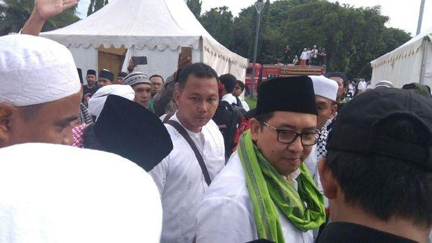 Wakil Ketua Umum Partai Gerindra Fadli Zon saat menghadiri Reuni Alumni 212, di Monas, Jakarta, Sabtu (2/12)