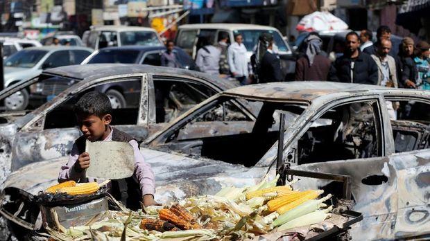 Konflik di Yaman telah menelan korban lebih dari 10.000 orang dan menyebabkan lebih dari tiga juta rakyat Yaman mengungsi.