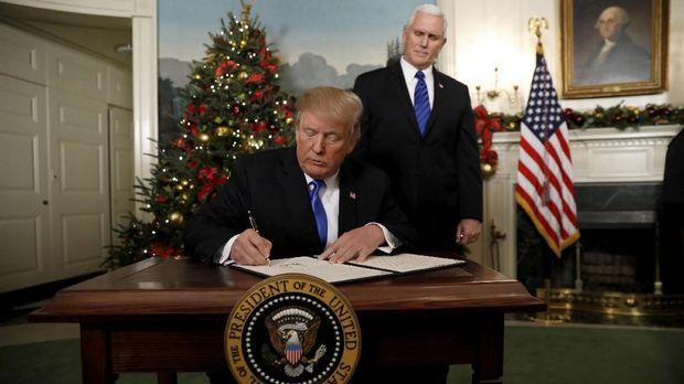 Donald Trump mengancamm akan mencabut bantuan untuk Palestina.
