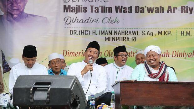 Menpora Imam Nahrawi rutin mengunjungi Ponpes di di sejumlah daerah di Indonesia. (