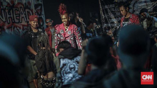 Pascareformasi, Punk jarang menggelar demonstrasi karena khawatir ditunggangi kepentingan lain.