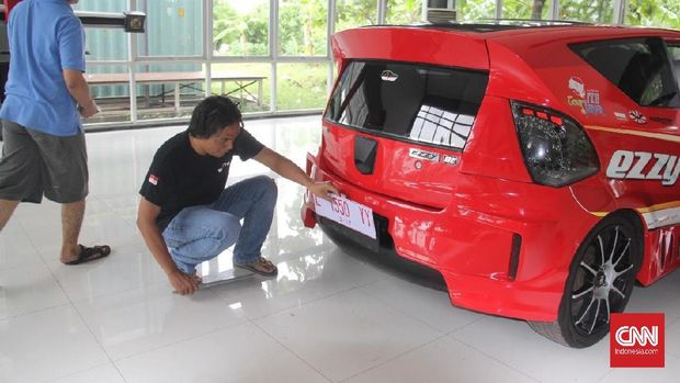 Resmikan Tol, Presiden Jokowi Bakal Jajal Mobil Listrik ITS
