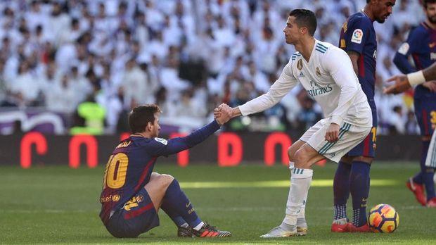 Real Madrid sejauh ini tertinggal 16 poin dari rivalnya Barcelona.