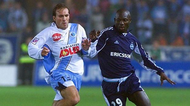 George Weah sempat membelaOlympique Marseille di pengujung karier