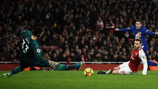 Arsenal berbagi angka 2-2 dengan Chelsea. (