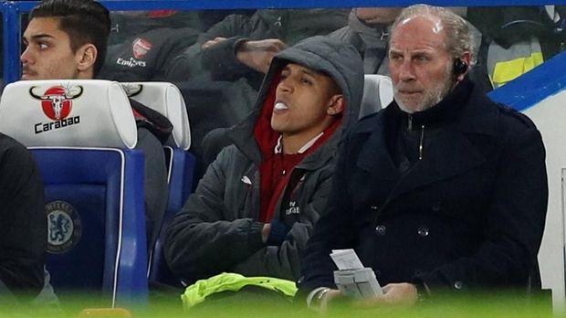 Alexis Sanchez tidak dimainkan Arsene Wenger saat Arsenal dikalahkan Bournemouth.