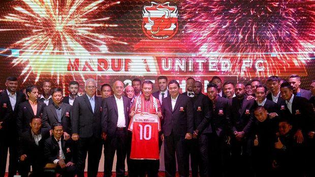 Madura United menggelar launching skuat musim 2018 di sela Suramadu Super Cup 2018. (