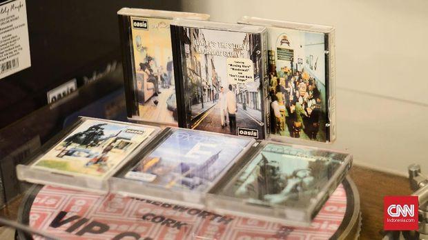 CD Oasis koleksi Ilham.