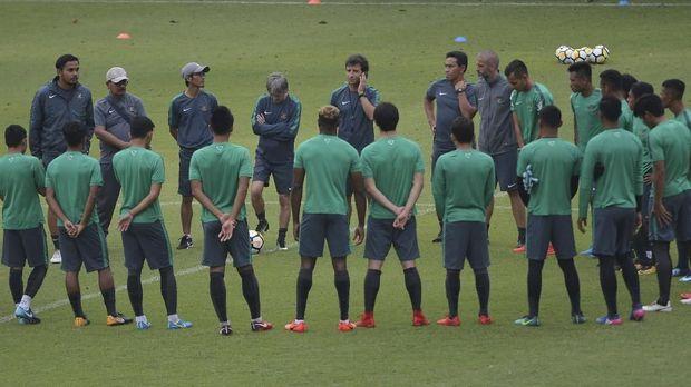Timnas Indonesia bakal kedatangan pemain baru untuk pemusatan latihan Selasa (16/1).