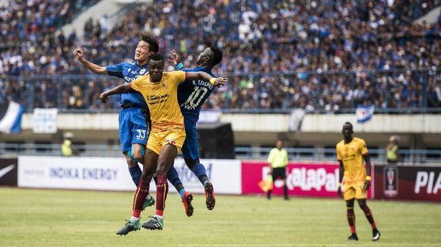 Gol tunggal Oh In Kyun memastikan kemenangan Persib Bandung 1-0 atas Sriwijaya FC.