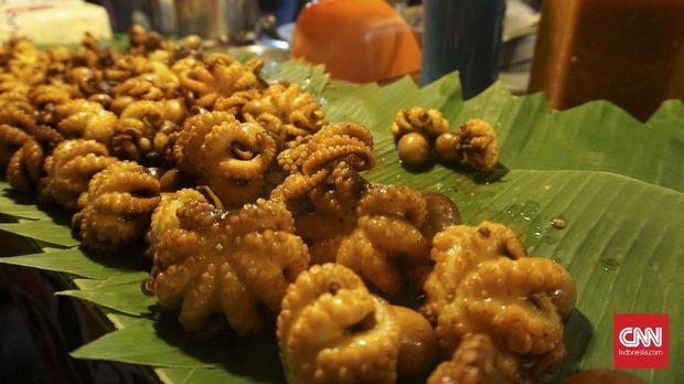 Hasil gambar untuk gurita goreng pedas di pasar chatuchak