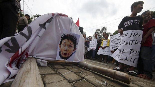 Bau Politik di Balik Polemik Cantrang