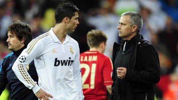 Cristiano Ronaldo pernah bekerja sama dengan Jose Mourinho saat di Real Madrid.