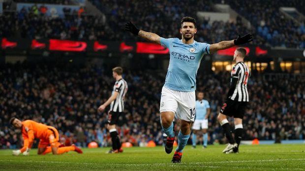 Sergio Aguero mencetak hattrick dan membawa ManCity menang 3-1 atas Newcastle United. (