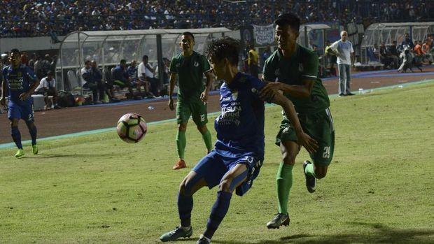 Persib kalah 0-2 dari PSMS pada laga kedua Piala Presiden 2018.