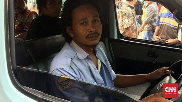 Cerita Sopir Angkot Tanah Abang Morat-Marit Kejar Setoran