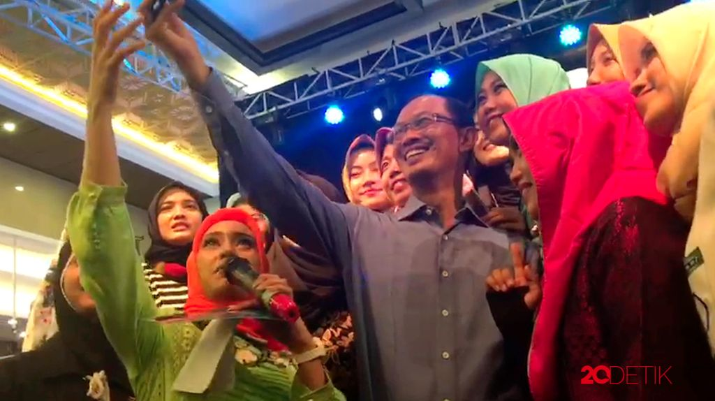 Wah! Walikota Palembang Ikut Datang Memeriahkan Audisi Sunsilk Hijab Hunt 2017