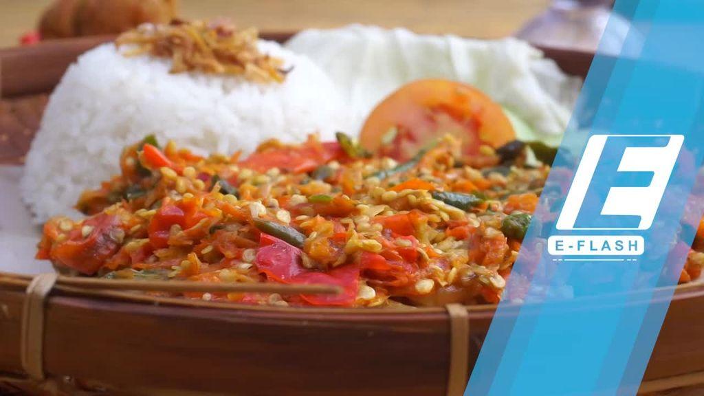 Menantang Diri dengan Coba Nasi Goreng 150 Cabai di Warung Gelo
