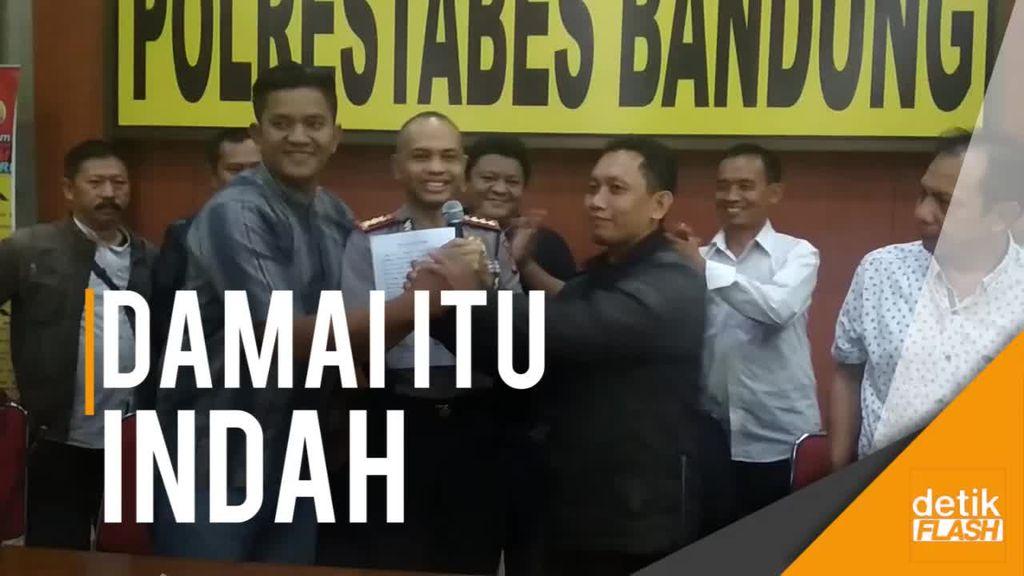 Driver Taksi Online dan Konvensional di Bandung Damai